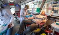 Akcja poboru krwi przed Urzędem Marszałkowskim, fot. Szymon Zdziebło/Tarantoga.pl