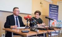Konferencja prasowa wicemarszałka Zbigniewa Ostrowskiego i dyrektora Ośrodka Braille'a Małgorzaty Szczepanek, fot. Tymon Markowski dla UMWKP