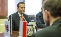 Ambasador Indii Ajay Bisaria w Urzędzie Marszałkowskim w Toruniu, fot. Szymon Zdziebło/tarantoga.pl dla UMWKP