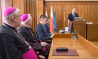 Papież dialogu patronem województwa, fot. Szymon Zdziebło/tarantoga.pl dla UMWKP