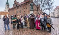 Nasi goście podczas zwiedzania Torunia, fot. Szymon Zdziebło/tarantoga.pl dla UMWKP