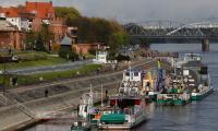 Postój barki w Toruniu, fot. Mikołaj Kuras