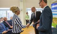 Uroczystość wręczenia umów o dofinansowanie projektów w Urzędzie Marszałkowskim, fot. Szymon Zdziebło/Tarantoga.pl