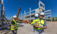 Zwiedzanie budowy szpitala, Fot. Szymon Zdziebło/tarantoga.pl dla UMWKP