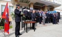 Uroczystość przekazania sprzętu strażakom z OSP przed Urzędem Marszałkowskim  w Totuniu, fot. Mikołaj Kuras