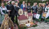 Konkurs wieńców podczas dożynek wojewódzkich w Świeciu, fot. Tymon Markowski dla UMWKP