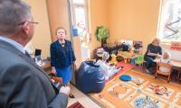 Podczas wizyty w Ośrodku Braille'a goście przyglądali się także zajęciom w pracowniach Wczesnego Wspomagania Rozwoju Dziecka, fot. Tymon Markowski