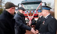 Uroczystość wejścia do służby w OSP Unisław strażackiego wozu bojowego, fot. Łukasz Piecyk