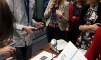 Stanowiska do eksperymentów obslugiwane przez wolontariuszy VII LO w Bydgoszczy