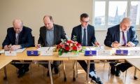 Uroczystość podpisania listu intencyjnego w sprawie budowy obwodnicy Lubrańca, fot. Łukasz Piecyk