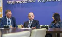 Uroczyste podpisanie umowy o dofinansowanie projektu Bydgoskiego Klastra Przemysłowego, fot. Szymon Zdziebło/Tarantoga.pl