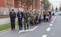 Przemarsz harcerzy ulicami Torunia, fot. Szymon Zdziebło/tarantoga.pl