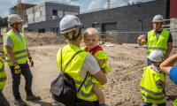 Zwiedzanie budowy szpitala na Bielanach  27 maja, fot. Szymon Zdziebło/tarantoga.pl dla UMWKP