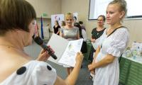 Uroczyste zakończenie roku szkolnego w Medyczno-Społecznym Centrum Kształcenia Zawodowego i Ustawicznego w Toruniu odbyło się w czwartek (21 czerwca) w Urzędzie Marszałkowskim, fot. Szymon Zdziebło/Tarantoga.pl
