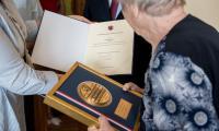 Wizyta członek zarządu województwa Anety Jędrzejewskiej u Zofii Ciarkowskiej, fot. Łukasz Piecyk