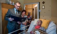 Wizyta wicemarszałka Dariusza Kurzawy u Heleny Stanek, fot. Łukasz Piecyk