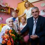 Wizyta radnej województwa Agnieszki Kłopotek u Cecylii Araszewicz, fot. Filip Kowalkowski