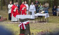 Uroczysta msza święta przy pomniku w Klamrach odbyła się 23 września, fot. Szymon Zdziebło/Tarantoga.pl