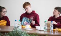 Młodzież z Fife na spotkaniu w Urzędzie Marszałkowskim, fot. Andrzej Goiński/UMWKP