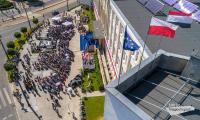 Jednym z najważniejszych wydarzeń roku 100-lecia odzyskania niepodległości była uroczysta sesja sejmiku województwa połączona z Forum Samorządowym, która odbyła się 14 maja na placu przed Urzędem Marszałkowskim w Toruniu, fot. Szymon Zdziebło/tarantoga.pl