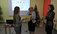 Wręczanie nagród laureatom przez dyrektor PBW, p. Ewę Pronobis-Sosnowską