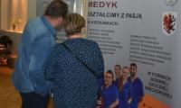 Medyk aktywnie uczestniczy w działaniach promujących zdrowie