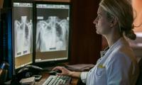 Cyfrowy sprzęt w zakładzie radiologii, fot. Filip Kowalkowski dla UMWKP