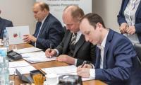 Uroczyste podpisanie umowy na dostawę specjalistycznego wyposażenia dla Ośrodka Braille'a w Bydgoszczy, fot. Szymon Zdziebło/tatantoga.pl