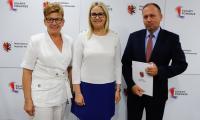Wręczenie aneksów do umów LGD, fot. Mikołaj Kuras