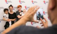 """Uroczystość wręczenia voucherów w ramach projektu """"Aktywna Mama, aktywny Tata"""", fot. Andrzej Goiński"""