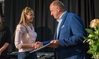 Gala stypendiów artystycznych w toruńskiej kawiarni Wejściówka, fot. Szymon Zdziebło/tarantoga.pl dla UMWKP