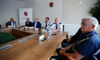 Spotkanie marszałka Piotra Całbeckiego z przedstawicielami WOPR, OSP i organizacji harcerskich w Urzędzie Marszałkowskim, fot. Mikołaj Kuras