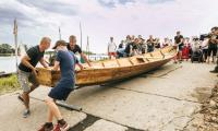 W poniedziałek flisacy dopłynęli do przystani promowej w Nieszawie, fot. Andrzej Goinski