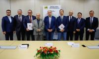 Podpisanie umowy na skrzyżowanie dróg wojewódzkich nr 534 i 569 w Golubiu-Dobrzyniu, fot. Mikołaj Kuras