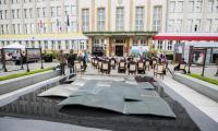 Uroczysta sesja sejmiku w setną rocznicę urodzin św. Jana Pawła II, fot. Andrzej Goiński/UMWKP