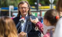 Konferencja prasowa marszałka Piotra Całbeckiego dotycząca wsparcia dla organizacji pozarządowych w ramach naszego pakietu antykryzysowego, fot. Szymon Zdziebło/tarantoga.pl dla UMWKP