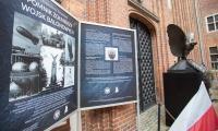Replika pomnika (bez cokołu) była eksponowana na dziedzińcu ratusza staromiejskiego w Toruniu, fot. Mikołaj Kuras dla UMWKP