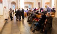 Światowy Dzień Chorego, msza święta z udziałem marszałka Piotra Całbeckiego w kościele redemptorystów w Toruniu, fot. Mikołaj Kuras dla UMWKP