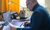 Światowy Dzień Chorego, online'owe spotkanie marszałka Piotra Całbeckiego z kierownictwami DPS-ów, fot. Mikołaj Kuras dla UMWKP