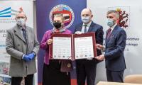 Ceremonia przekazania kluczy do nowej siedziby Hospicjum im. JPII, fot. Szymon Zdziebło/tarantoga.pl dla UMWKP