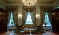Zwiedzanie pałacu w Ostromecku, fot. Filip Kowalkowski dla UMWKP