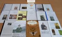 Wyróżnione prace uczniów szkół średnich, fot. Biblioteka Pedagogiczna w Toruniu