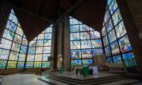 Witraże Elżbiety Bednarskiej w kościele św. Stanisława Kostki w Rypinie, fot. Mikołaj Kuras dla UMWKP