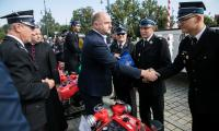 Wręczenie motopomp strażakom ochotnikom, fot. Andrzej Goiński/UMWKP