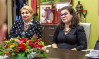 Poprzedzające konferencję spotkanie marszałka Piotra Całbeckiego z jej uczestnikami, fot. Szymon Zdziebło/tarantoga.pl dla UMWKP