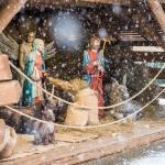 Świąteczna dekoracja przed Urzędem Marszałkowskim w Toruniu, fot. Łukasz Piecyk