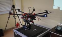Bezzałogowe urządzenie latające wraz z jego elementami naprowadzania