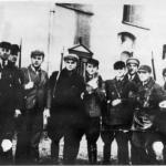 Członkowie Selbstschutzu przed klasztorem w Górce Klasztornej IPN