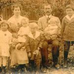 Kazimiera Piotrowicz z mężem Leonem, trzema córkami i dwoma synami, fot. archiwum prywatne