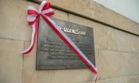 Odsłonięcie tablicy upamiętniającej 35-lecie NZS UMK, fot. Szymon Zdziebło/tarantoga.pl
